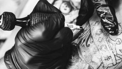Před tetováním